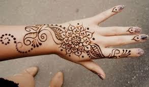 65 gambar motif henna pengantin tangan dan kaki sederhana terbaru
