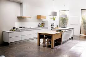 cuisine avec ilot central et table table ilot centrale cuisine ilot central de cuisine uzes coin