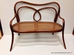 divanetto bambini mobili antichi divani antico divanetto da bambino thonet