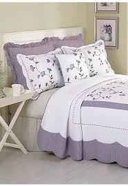 Purple Coverlets Best 25 Purple Bedspread Ideas On Pinterest Purple Gray Bedroom