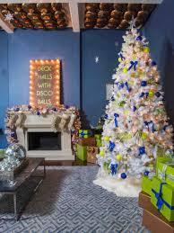 christmas trees decorated blue cheminee website