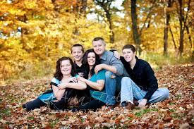 and wes outdoor family portraits prairie du sac wi