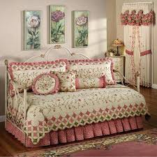 Shabby Chic Bedroom Sets by Shabby Chic Daybed Comforter Shabby Chic Daybed Bedding Sets