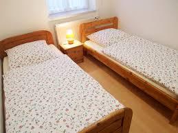 Schlafzimmer Hoffmann M El Haus Bätz Ferienwohnung Erika 3 Zimmer 1 6 Personen In Leiferde