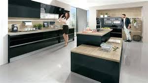 hauteur de cr ence cuisine image pour cuisine moderne agrandir une cuisine de chef racsolument