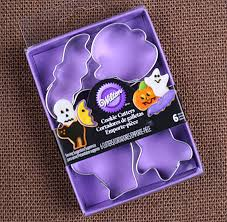 wilton mini halloween cookie cutter set tiny cookie cutters mini