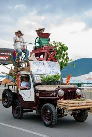 wwii jeep in action the yipao or jeep parade colombia pinterest jeeps small