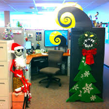 Grinch Office Decorations by Elf On The Shelf At The Office Elf Friends Christmas