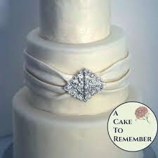wedding cake jewelry diamond shape diy wedding cake edible brooch cake brooch