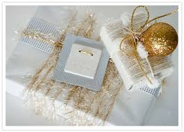 How To Wrap Wedding Gifts - wedding gift wrapping ideas glamorous holiday decor and gift