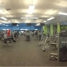 blink fitness 41 photos 38 reviews gyms 163 02 jamaica ave