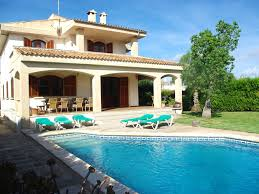 bonaire beach and relax in house with private garden and pool