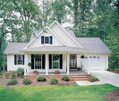 small style homes best 25 small country homes ideas on simple house