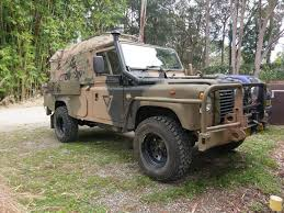 land rover military defender pin by lei zhang on perentie pinterest land rovers 4x4 and