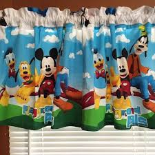 chambre mickey mouse best 25 mickey mouse curtains ideas on mickey
