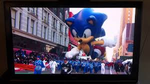 watch love at the thanksgiving day parade sega u0027s sonic the hedgehog at the thanksgiving day parade 2013