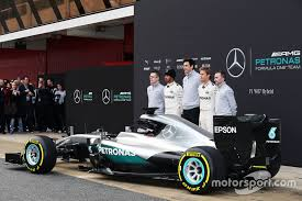 mercedes amg f1 andy cowell mercedes high performance powertrains managing