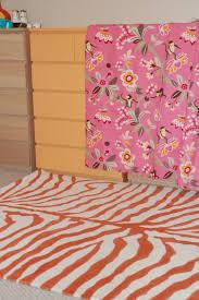 lisa moves orange rug fail