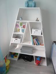 etagere pour chambre bebe diy etaga re pour chambre denfant et coffre jouets le etagere murale
