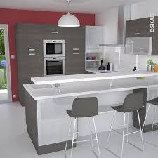cuisine mur framboise cuisine bois contemporaine noyer foncé en u avec retour plan snack