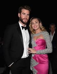 Miley Table L Miley And Liam Were The Cutest At The Oscars See