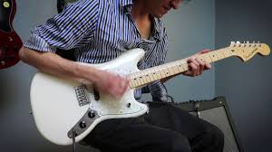 squier vintage modified mustang sonic blue squier vintage modified mustang vs fender offset mustang