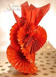 gift wrapping wine bottles fan design wine bottle wrapping gift wrapping ideas