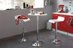 table ronde cuisine design petites tables de cuisine en 14 modèles déco gain de place