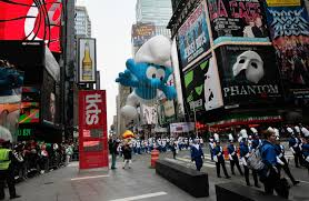 macy s thanksgiving day parade winds through new york city