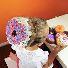cool hair donut these adorable donut dos are giving us sweetness overload brit co