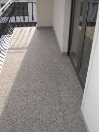 steinteppich balkon balkonsanierung mit renofloor stressfrei und frostsicher sanieren