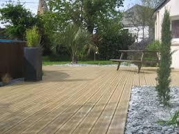 jacuzzi bois exterieur pour terrasse réalisation d u0027une terrasse bois en pin paysagiste vannes auray