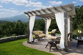 Pergola With Curtains Wood Pergola With Curtains 50 Ideas For Privacy In The Garden