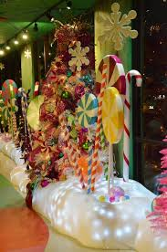 Peanuts Christmas Window Decorations last year u0027s christmas window candyland woodstock and display