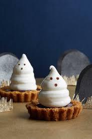 halloween baking championship 2017 50 spooky and sweet halloween treats halloween foods creepy