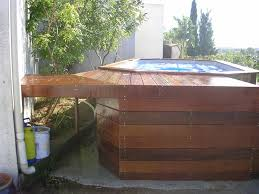 amenagement autour piscine hors sol piscine hors sol avec terrasse bois perfect terrasse bois nice