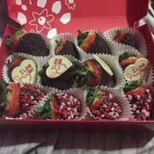 fruit arrangements delivered edible arrangements 14 reviews florists 94 hshire st