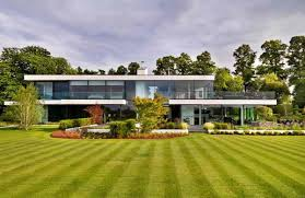 Modern Looking Houses Awe Inspiring Views In The Modern Country House In Berkshire