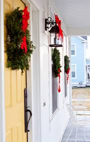 how to hang wreaths on outdoor windows armelle