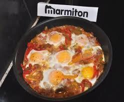 cuisiner le poivron œufs au bacon tomates et poivrons recette de œufs au bacon
