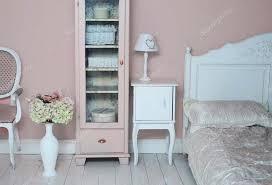 Floor Vase Flowers Cozy Pink Bedroom With Floor Vase And Flowers U2014 Stock Photo