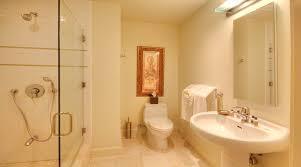 10 bright yellow bathroom interior design ideas https