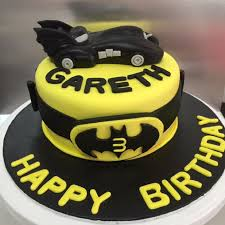 batman cake ideas batman cake cupcakes food drinks baked goods on carousell