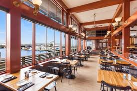 thanksgiving day celebration at pier market seafood restaurant in