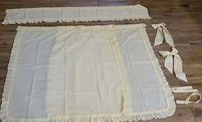 Daisy Kitchen Curtains by Vintage Semi Sheer Yellow Daisy Kitchen Curtains With Valance