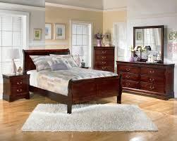 Sleigh Bed Set Sleigh Bedroom Set In Brown