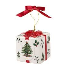 where can i buy christmas boxes buy christmas gifts boxes from bed bath beyond