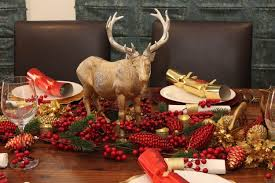 Christmas Table Decoration Ideas Gold by Christmas Table Setting Red And Gold Christmas Decorations