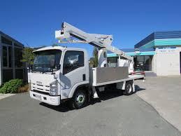 versalift sst40 on 2014 isuzu npr325 hire unit waimea truck and