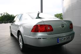 file vw phaeton silver back jpg wikimedia commons